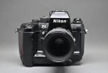 尼康F4旗艦級單反相機,自動對焦鏡頭深受攝影師歡迎